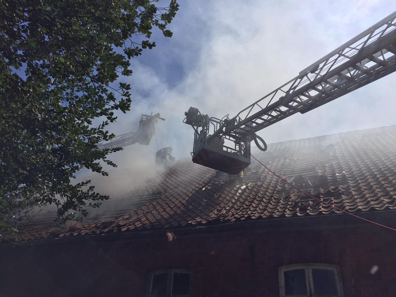 169. F3 Scheunenbrand - Angrenzendes Wohnhaus in Gefahr