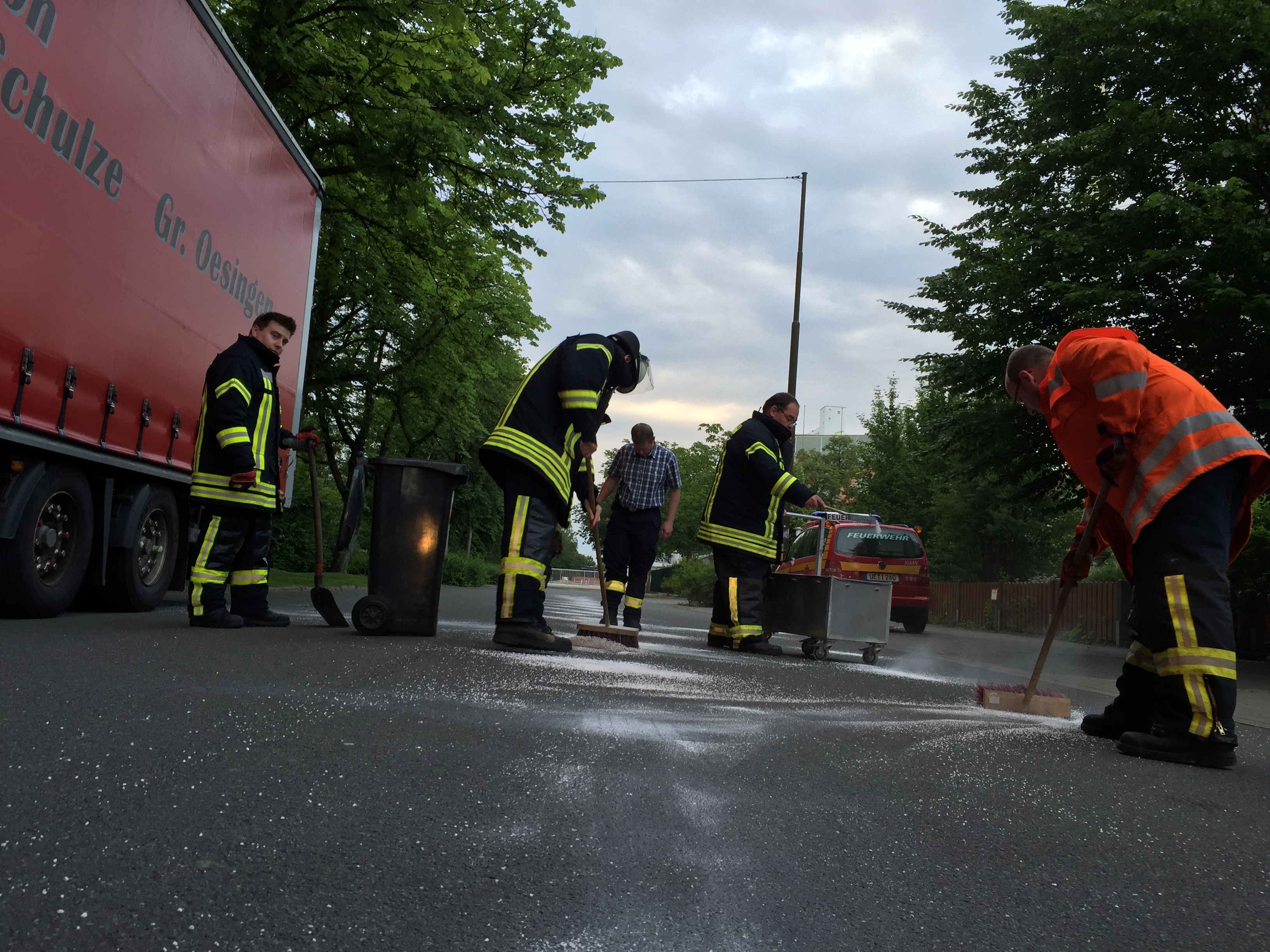 128. Auslaufende Betriebsstoffe nach Verkehrsunfall