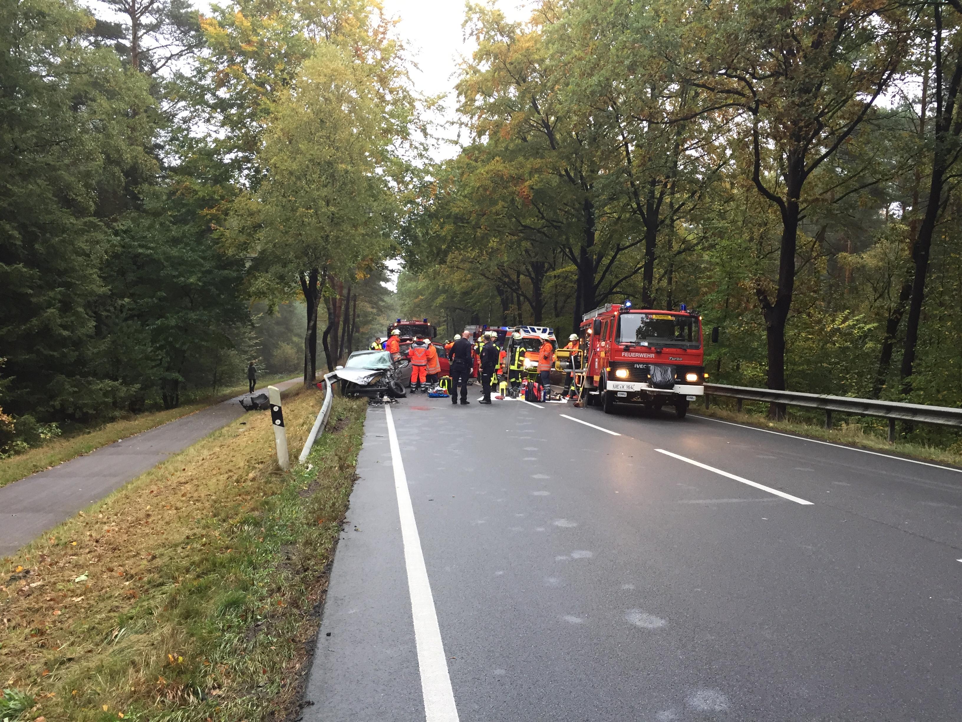 224. Verkehrsunfall- Personen eingeklemmt