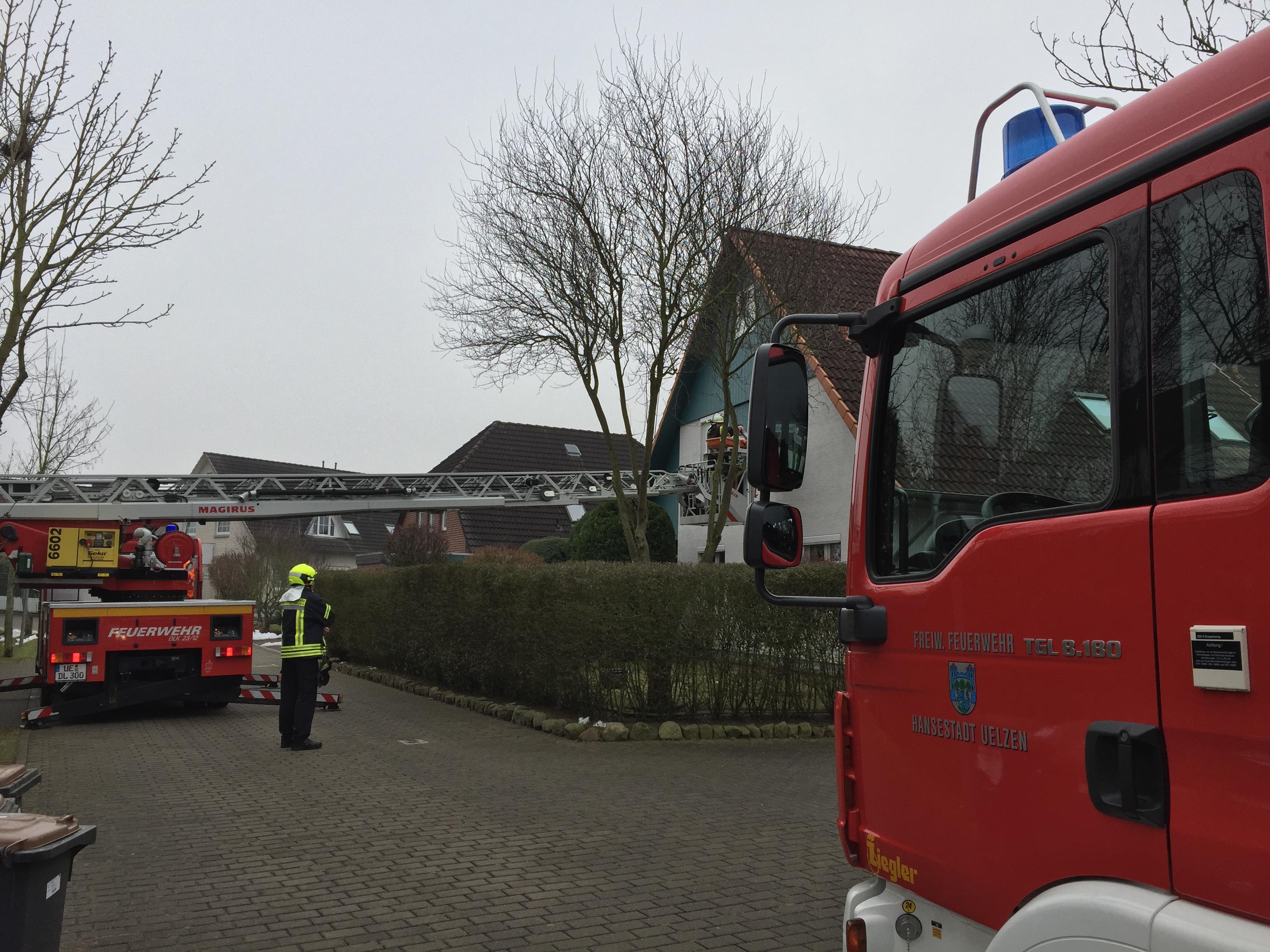 033. Unterstützung Rettungsdienst - Personenrettung über DLK
