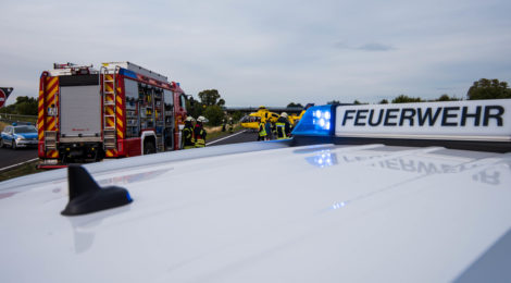 Schwerer Verkehrsunfall ruft Feuerwehr auf den Plan