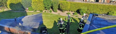 097. B2 - Brennt Gasgrill - soll auf Gebäude übergreifen